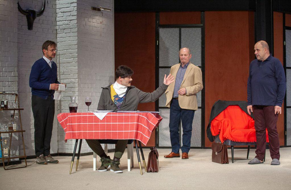 W Częstochowie miała odbyć się premiera spektaklu z Cezarym Żakiem w roli głównej. Przeniesiono ją na 2022 rok 6