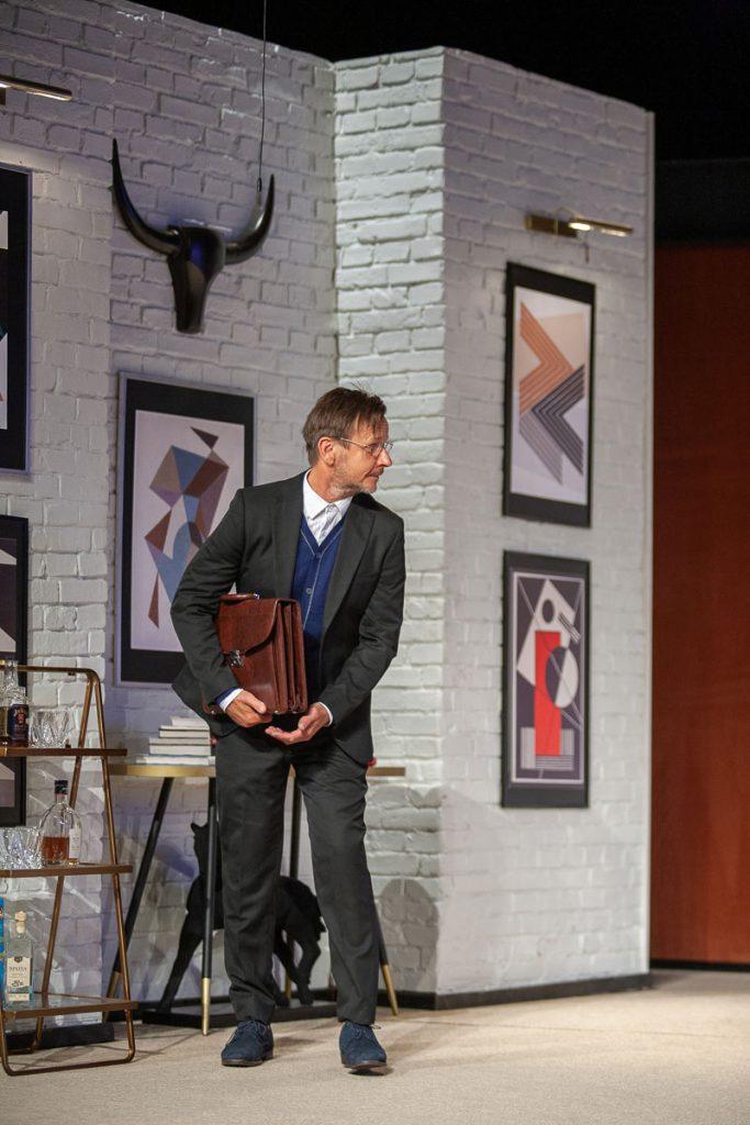 W Częstochowie miała odbyć się premiera spektaklu z Cezarym Żakiem w roli głównej. Przeniesiono ją na 2022 rok 10