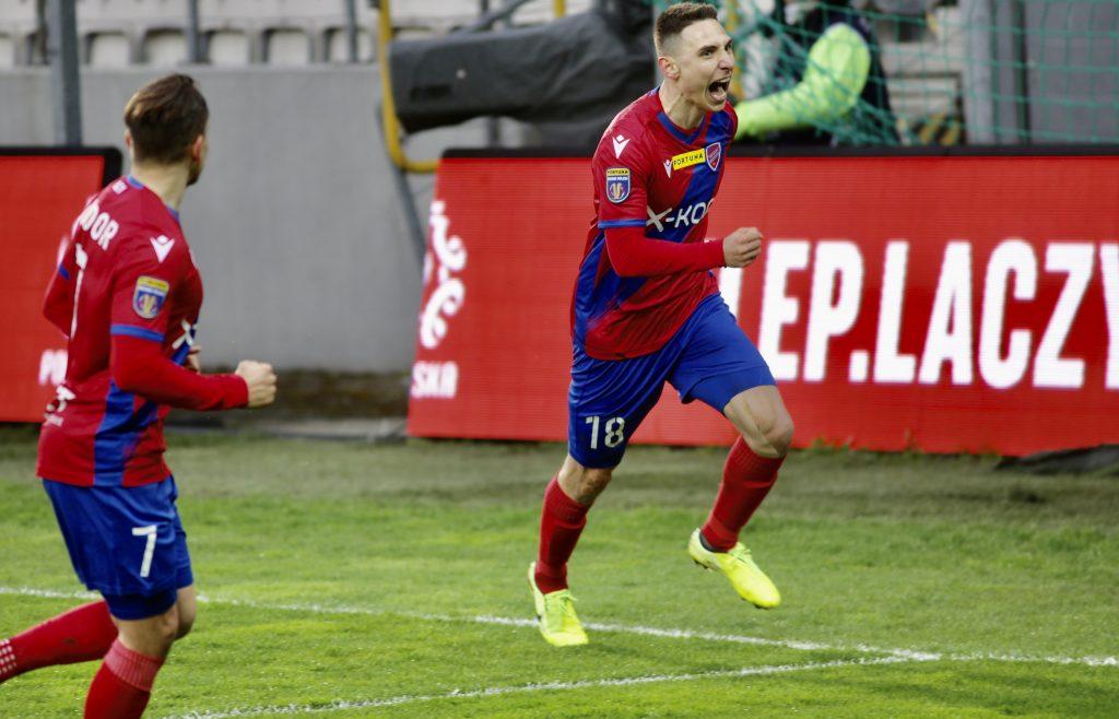 Raków w sobotę gra ostatni mecz na stadionie w Bełchatowie i zmierzy się z Lechem Poznań 6