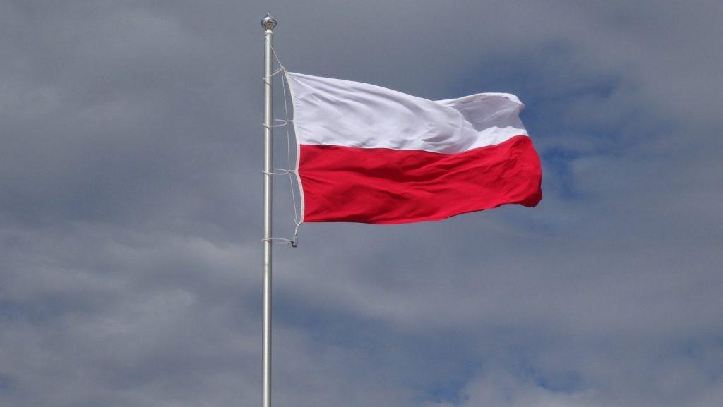 Idzie majówka, wywieśmy flagi 3