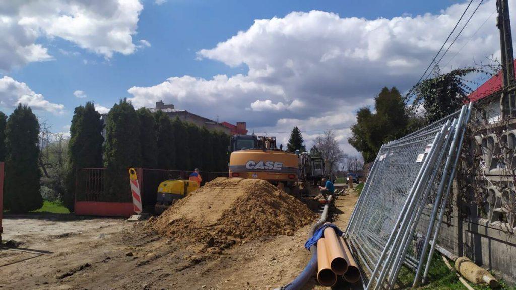 W Kościelcu i Rudnikach rozbudowują sieć kanalizacji sanitarnej 7