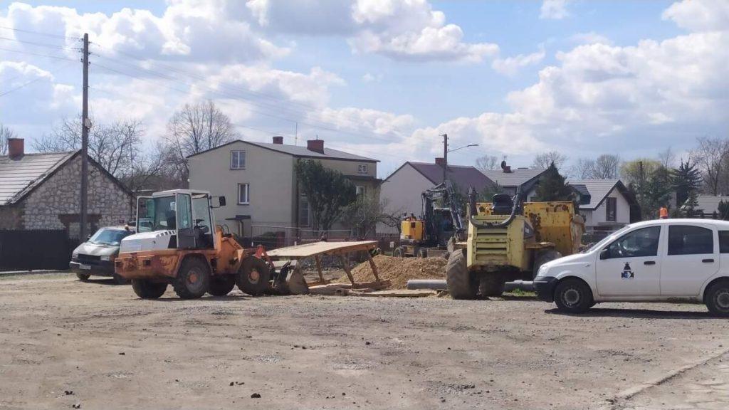 W Kościelcu i Rudnikach rozbudowują sieć kanalizacji sanitarnej 4