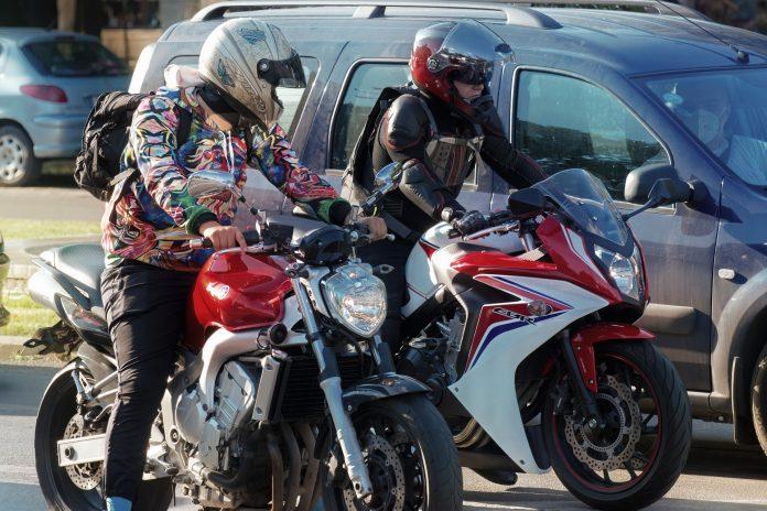 W Częstochowie będą namawiać motocyklistów, aby wyścigi zostawili profesjonalistom i jeździli ostrożnie po mieście 5