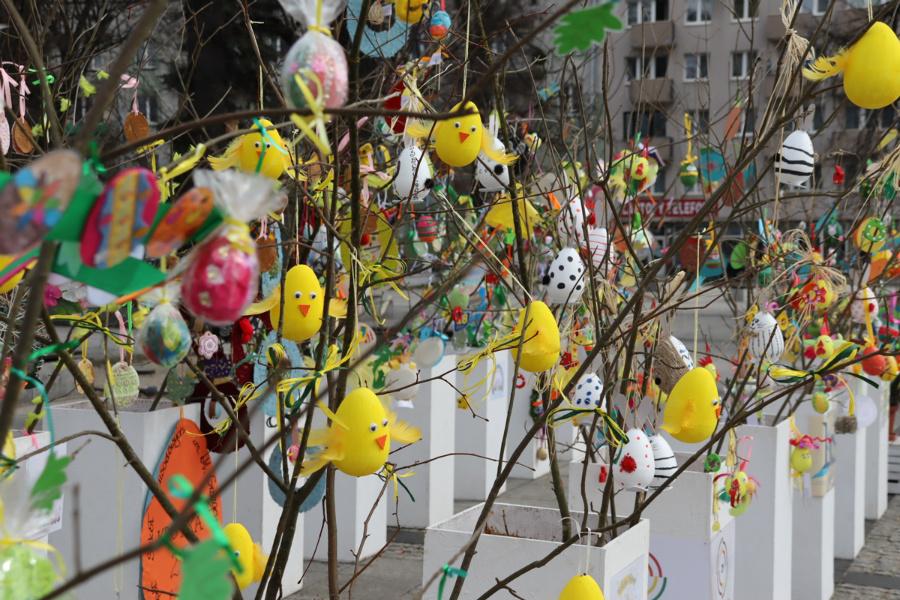 Na częstochowskim Placu Biegańskiego widać już Wielkanoc 2