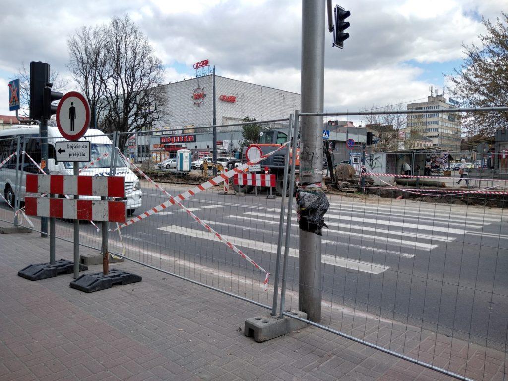 Jedziesz przez centrum, uważaj, możesz spotkać ciężki sprzęt drogowy 1
