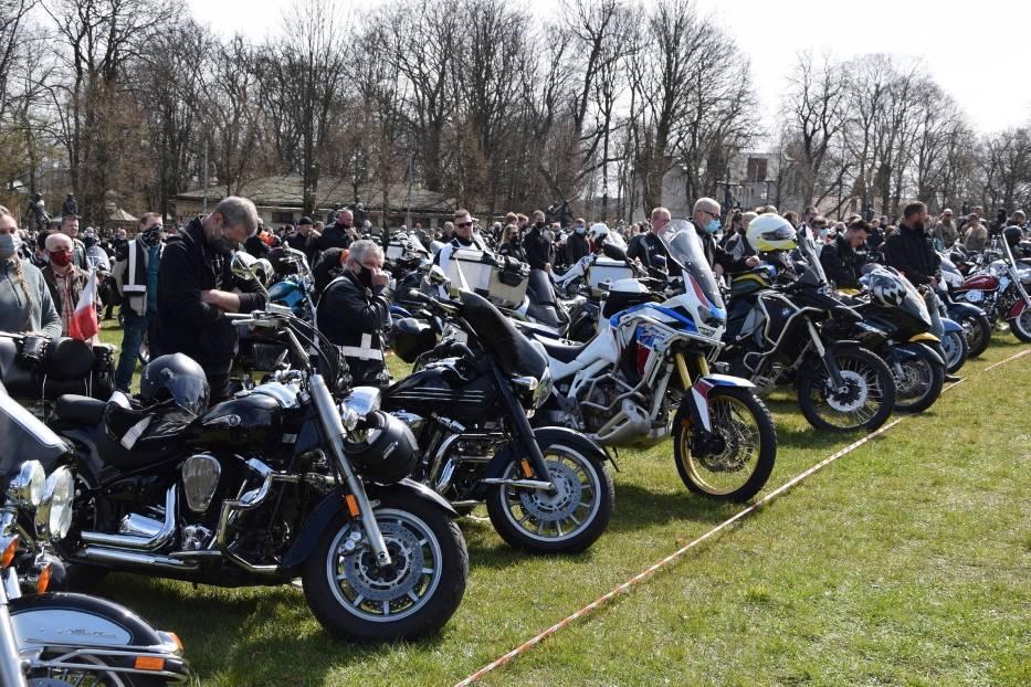 Tegoroczny sezon motocyklowy rozpoczęty mszą na Jasnej Górze 16
