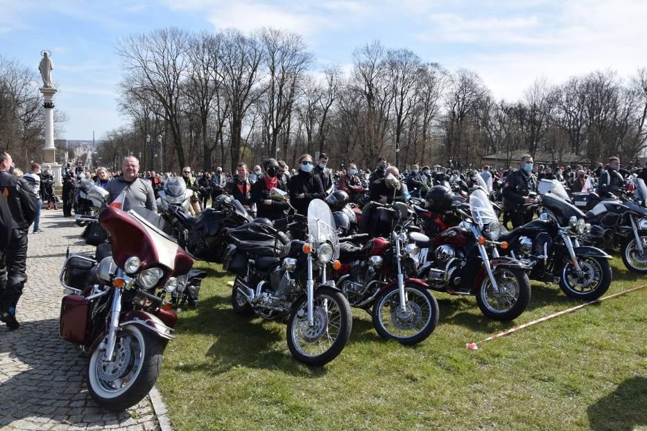Tegoroczny sezon motocyklowy rozpoczęty mszą na Jasnej Górze 15