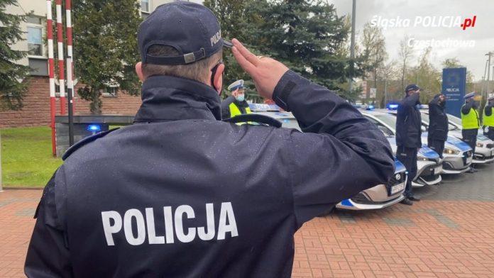 Policjanci, strażnicy miejscy i strażacy pożegnali w Częstochowie zastrzelonego w Raciborzu policjanta 8