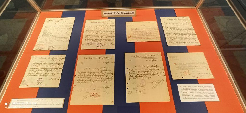 Archiwum Państwowe w Częstochowie przygotowało wystawę na 100 lat Rakowa 4