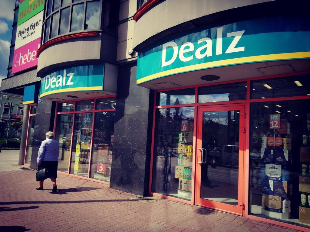 Dealz na miejscu Super-Pharm. Nowy sklep w częstochowskich Alejach 2