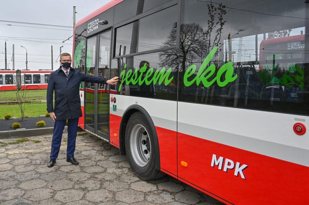 """Pierwsze """"elektryki"""" już w zajezdni częstochowskiego MPK 6"""
