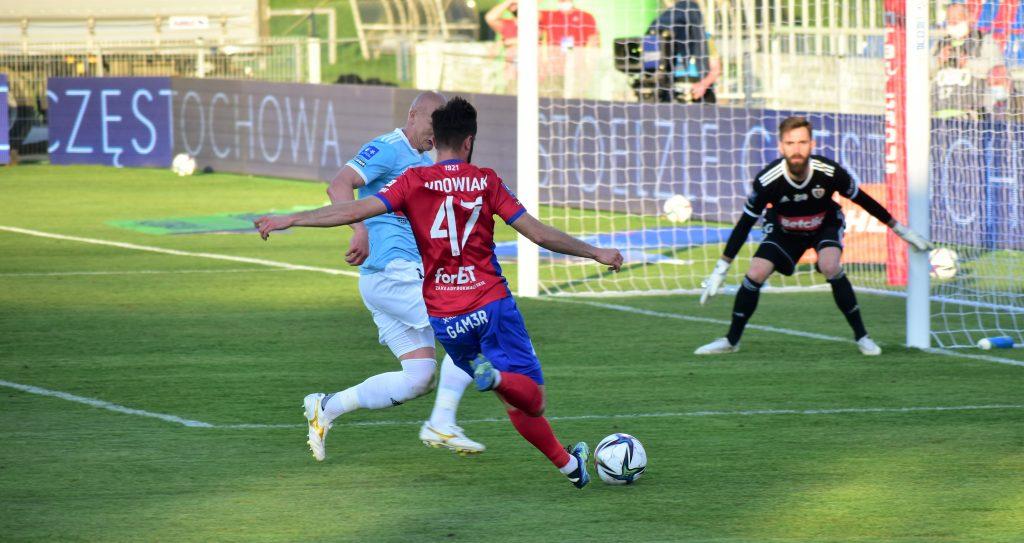 Piłkarze Rakowa rozpoczynają w Gliwicach nowy sezon 2021/22 w Ekstraklasie 5
