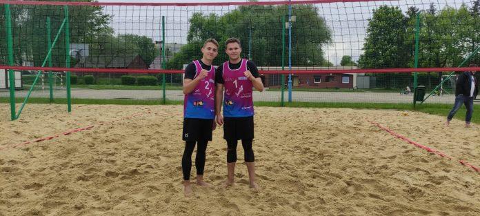 Jakub Pośpiech i Dawid Świeboda z Nowa Częstochowa I wygrali plażowy turniej w Tychach 2