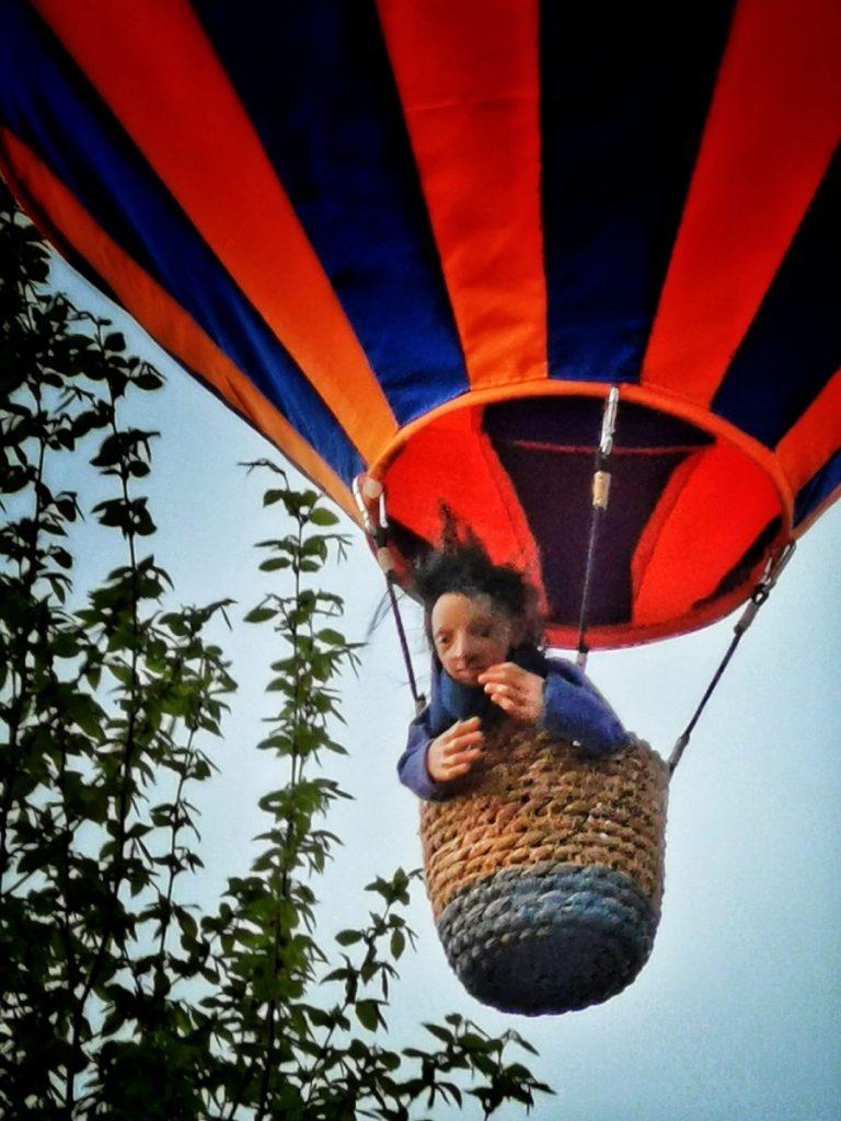 Miniaturowe balony przed olsztyńskim zamkiem 6