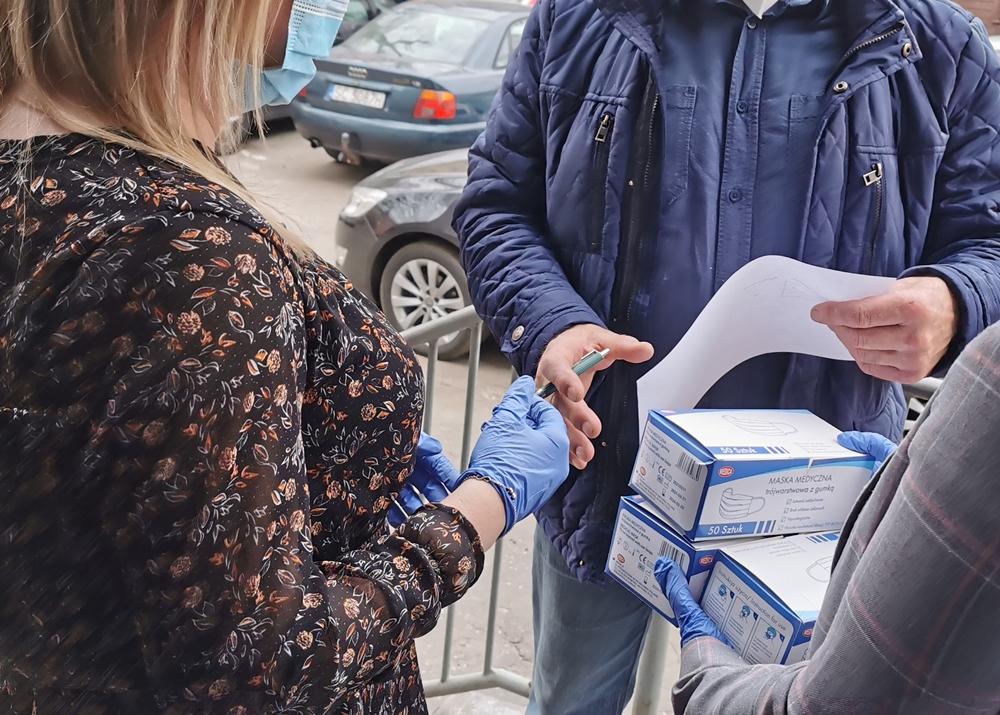 Do Częstochowy trafiła kolejna partia maseczek jednorazowych z Rządowej Agencji Rezerw Strategicznych 6