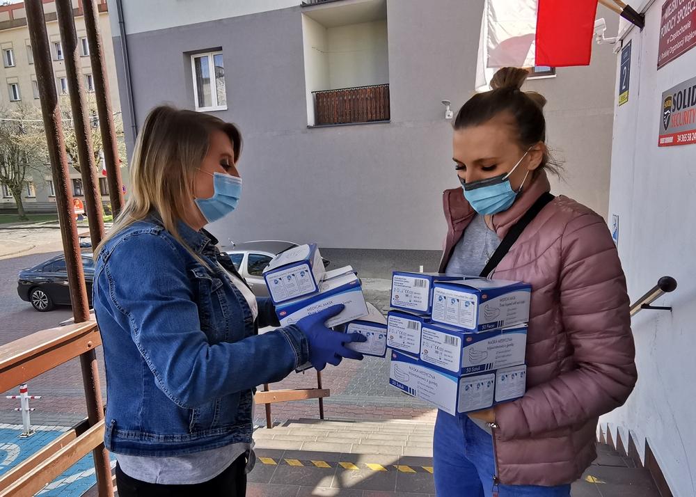 Do Częstochowy trafiła kolejna partia maseczek jednorazowych z Rządowej Agencji Rezerw Strategicznych 8