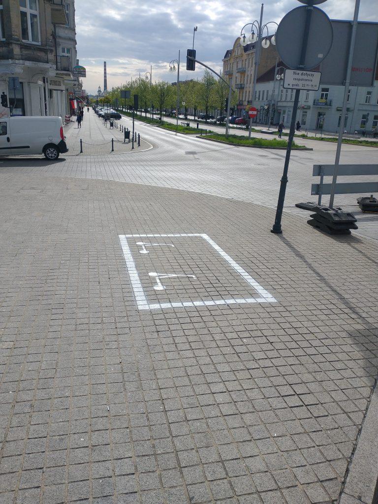 W Częstochowie wytyczono parkingi dla elektrycznych hulajnóg 1