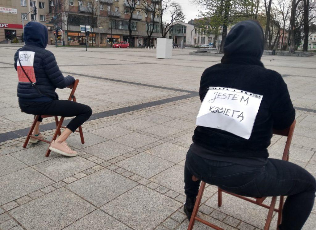 Strajk Kobiet w Częstochowie nie odpuszcza. Kolejna akcja na Placu Biegańskiego 9