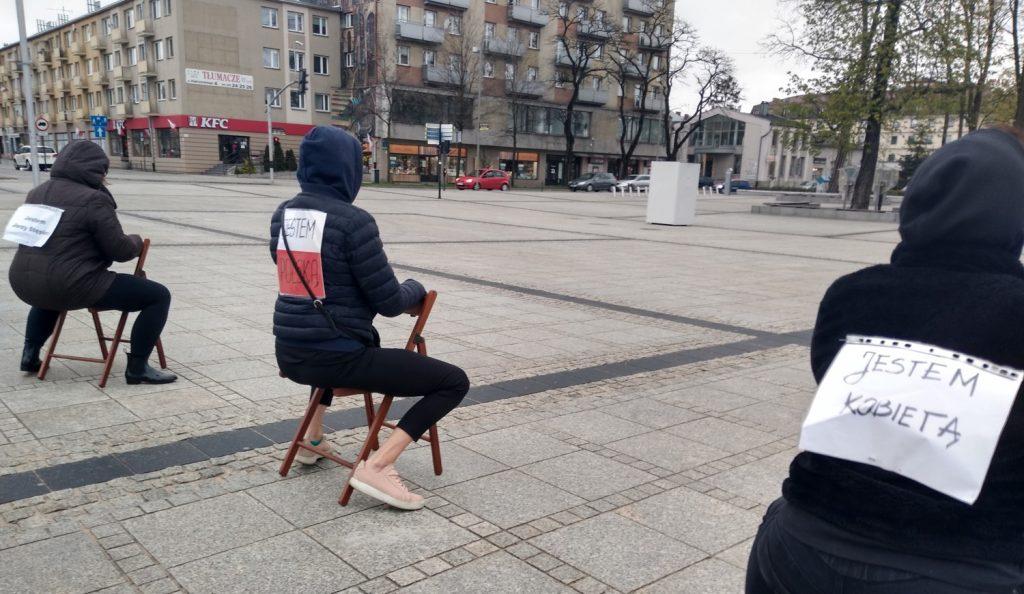 Strajk Kobiet w Częstochowie nie odpuszcza. Kolejna akcja na Placu Biegańskiego 10