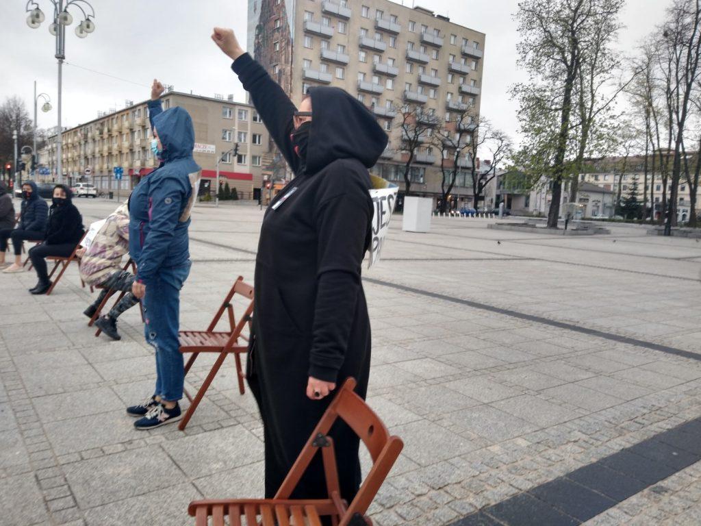 Strajk Kobiet w Częstochowie nie odpuszcza. Kolejna akcja na Placu Biegańskiego 12