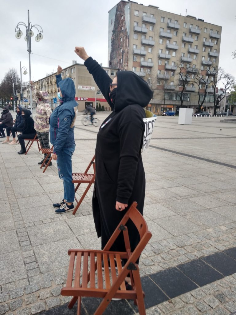 Strajk Kobiet w Częstochowie nie odpuszcza. Kolejna akcja na Placu Biegańskiego 13