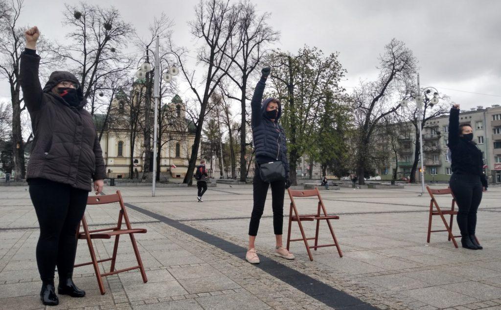 Strajk Kobiet w Częstochowie nie odpuszcza. Kolejna akcja na Placu Biegańskiego 17