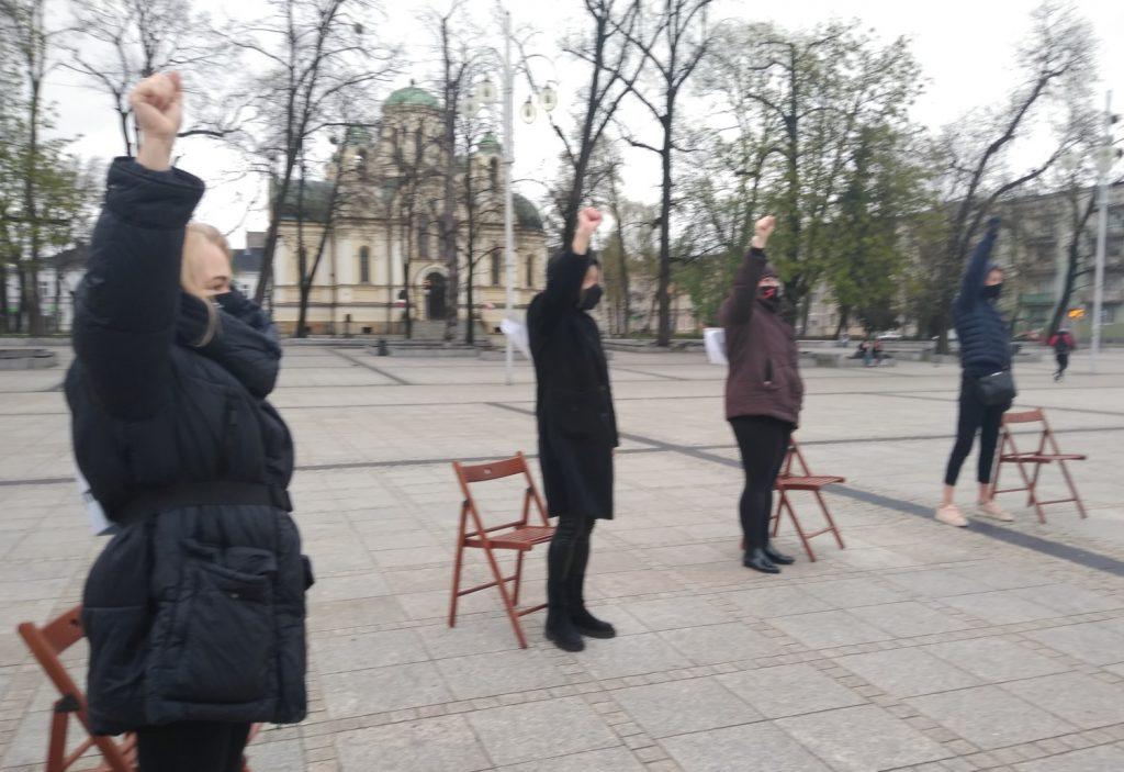 Strajk Kobiet w Częstochowie nie odpuszcza. Kolejna akcja na Placu Biegańskiego 18