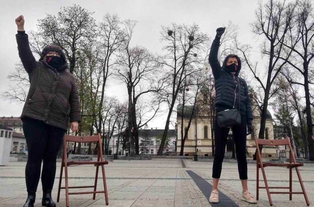 Strajk Kobiet w Częstochowie nie odpuszcza. Kolejna akcja na Placu Biegańskiego 21