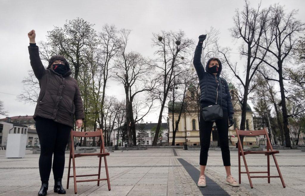 Strajk Kobiet w Częstochowie nie odpuszcza. Kolejna akcja na Placu Biegańskiego 22