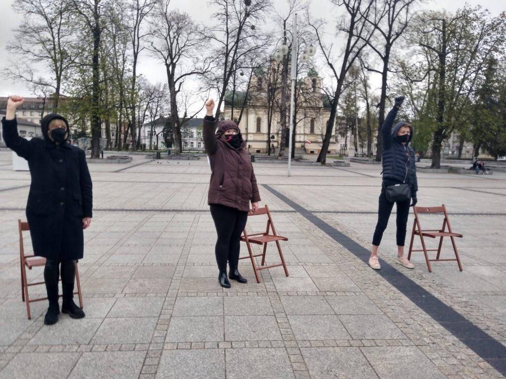 Strajk Kobiet w Częstochowie nie odpuszcza. Kolejna akcja na Placu Biegańskiego 23