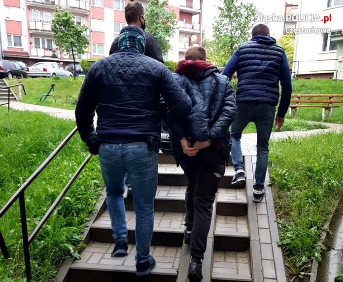 Ukrywał się przez rok, został zatrzymany przez policjantów z Częstochowy 2