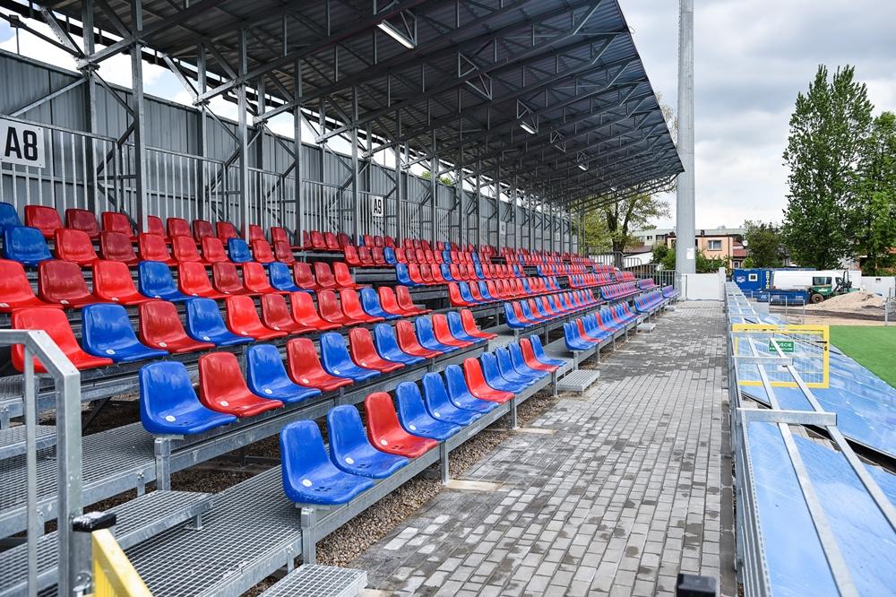 Miasto gratuluje Rakowowi sukcesów i w porozumieniu z klubem występuje do ministerstwa sportu o dofinansowanie drugiego etapu modernizacji Centrum Piłki Nożnej na stadionie klubu piłkarskiego 10