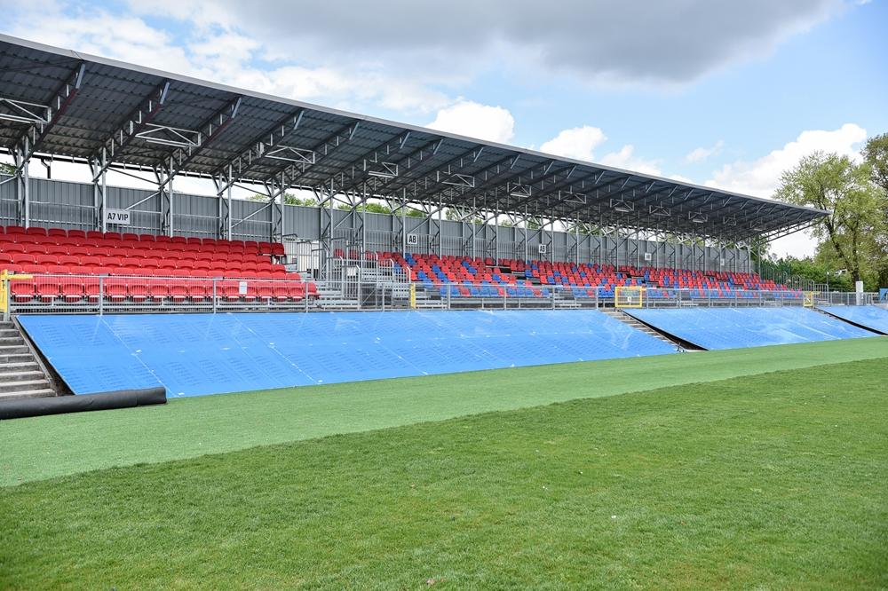 Miasto gratuluje Rakowowi sukcesów i w porozumieniu z klubem występuje do ministerstwa sportu o dofinansowanie drugiego etapu modernizacji Centrum Piłki Nożnej na stadionie klubu piłkarskiego 8