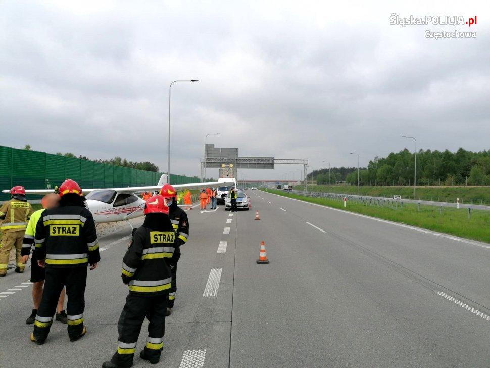 Samolot wylądował na autostradzie A1 na wysokości Wierzchowiska 1