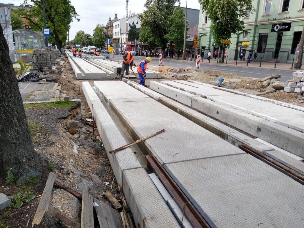 Zobacz, jak postępują prace przy budowie torowiska w Śródmieściu Częstochowy 10