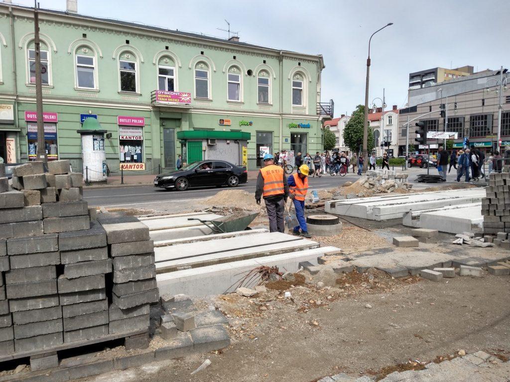 Zobacz, jak postępują prace przy budowie torowiska w Śródmieściu Częstochowy 11