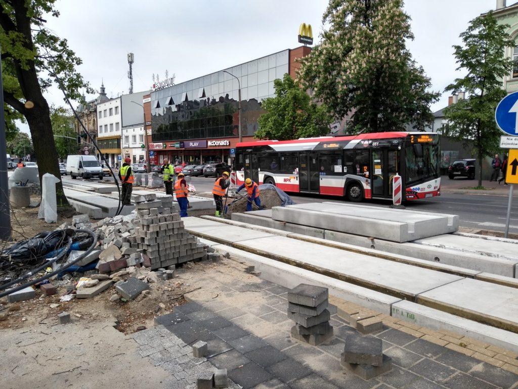 Zobacz, jak postępują prace przy budowie torowiska w Śródmieściu Częstochowy 12