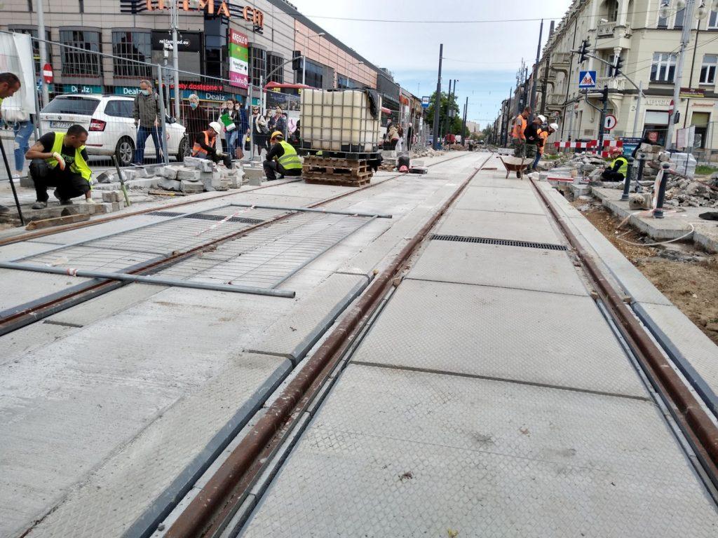 Zobacz, jak postępują prace przy budowie torowiska w Śródmieściu Częstochowy 17