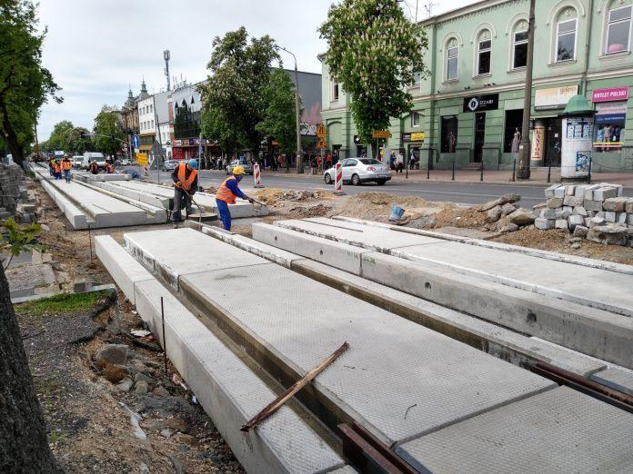 Zobacz, jak postępują prace przy budowie torowiska w Śródmieściu Częstochowy 19