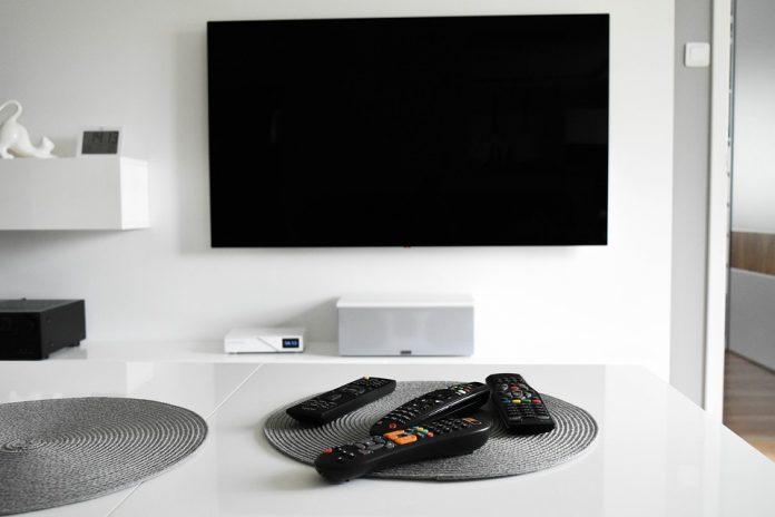 Wyższe opłaty za abonament radiowo-telewizyjny. Komornik może zając się zalegającymi opłatami 2