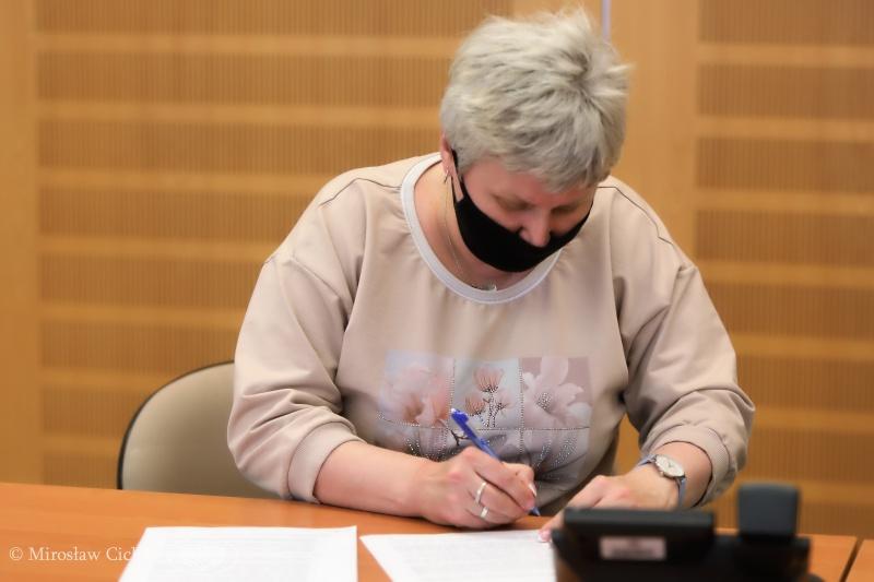 Blachownia podpisała umowę na dofinansowanie termomodernizacji bloków w Łojkach 3