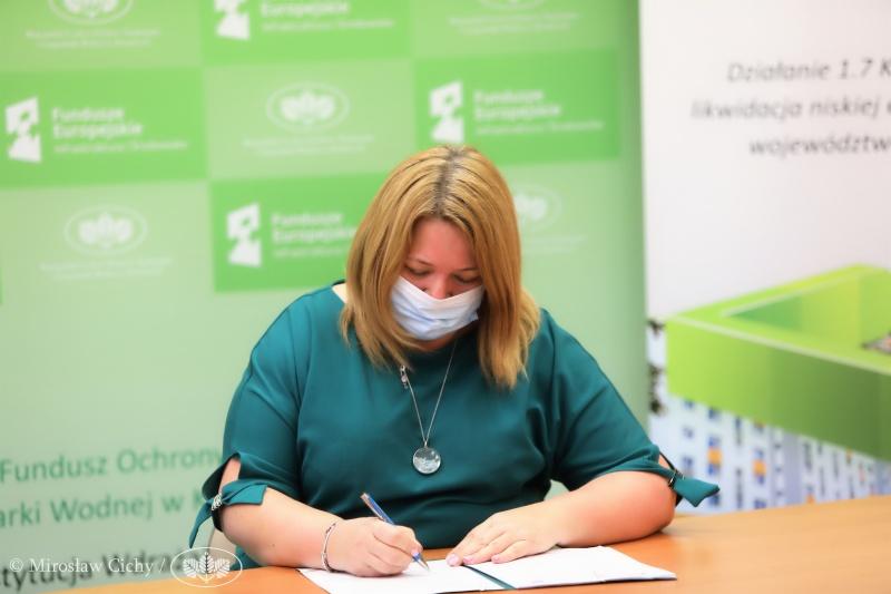 Blachownia podpisała umowę na dofinansowanie termomodernizacji bloków w Łojkach 1