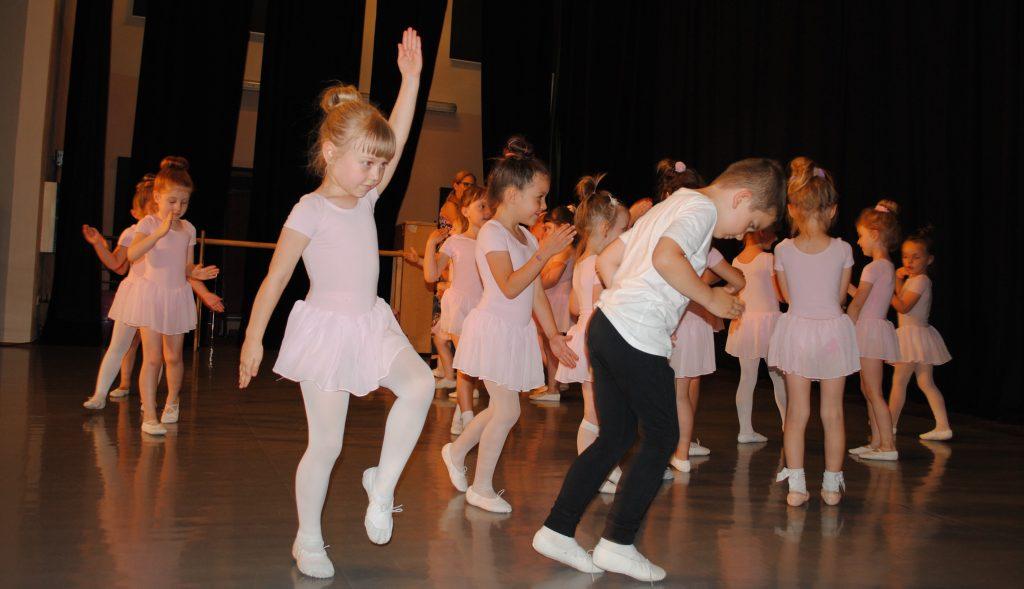 Zatańcz w balecie. Ognisko Baletowe w Żarkach czeka 3
