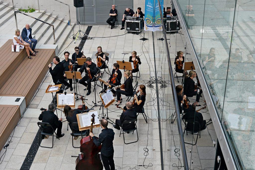 Letni Jurajski Festiwal Muzyczny zainaugurowany! Tak wyglądał koncert na Starym Rynku w Częstochowie [ZDJĘCIA] 8