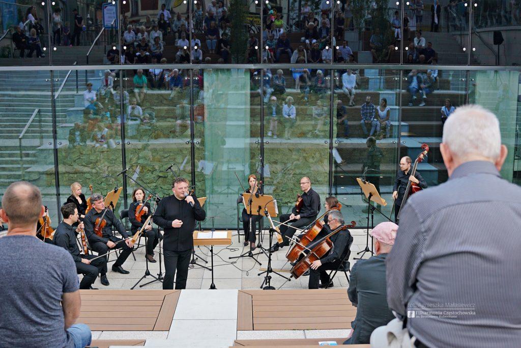 Letni Jurajski Festiwal Muzyczny zainaugurowany! Tak wyglądał koncert na Starym Rynku w Częstochowie [ZDJĘCIA] 12