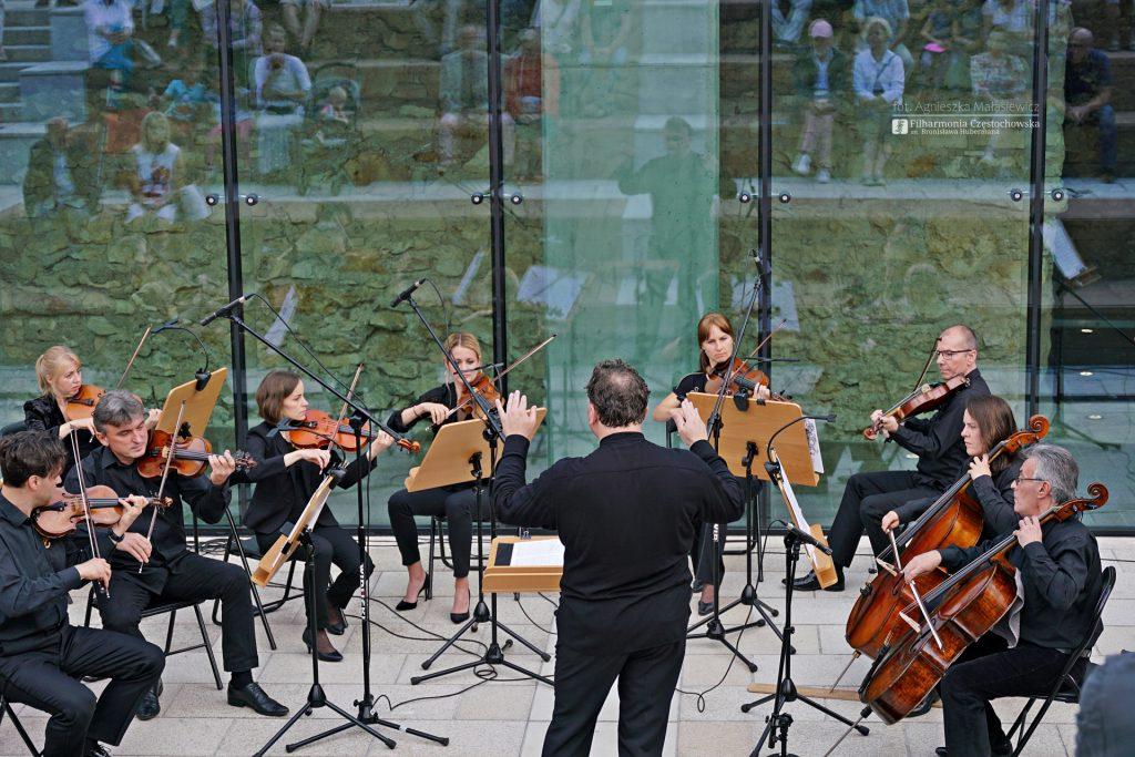 Letni Jurajski Festiwal Muzyczny zainaugurowany! Tak wyglądał koncert na Starym Rynku w Częstochowie [ZDJĘCIA] 14