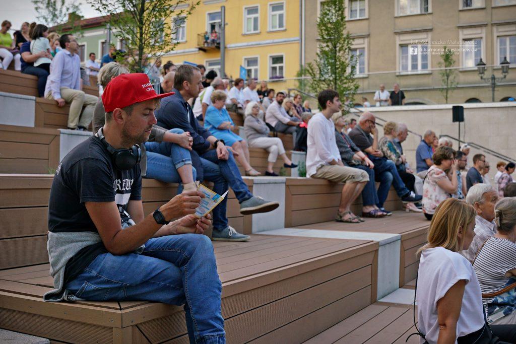 Letni Jurajski Festiwal Muzyczny zainaugurowany! Tak wyglądał koncert na Starym Rynku w Częstochowie [ZDJĘCIA] 13