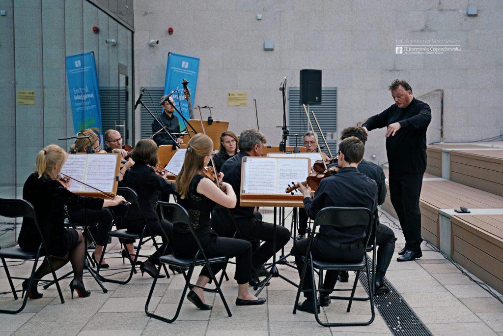 Letni Jurajski Festiwal Muzyczny zainaugurowany! Tak wyglądał koncert na Starym Rynku w Częstochowie [ZDJĘCIA] 5