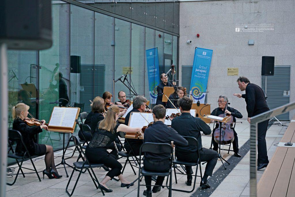 Letni Jurajski Festiwal Muzyczny zainaugurowany! Tak wyglądał koncert na Starym Rynku w Częstochowie [ZDJĘCIA] 6