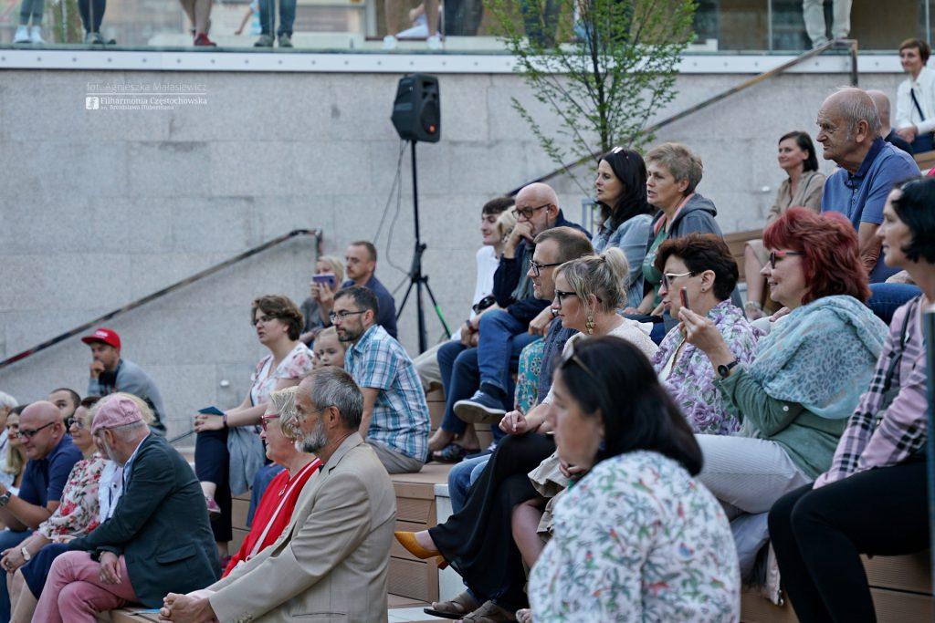 Letni Jurajski Festiwal Muzyczny zainaugurowany! Tak wyglądał koncert na Starym Rynku w Częstochowie [ZDJĘCIA] 9